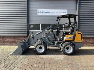 neuer GIANT G2300 HD minishovel / kniklader NIEUW €465 LEASE Radlader