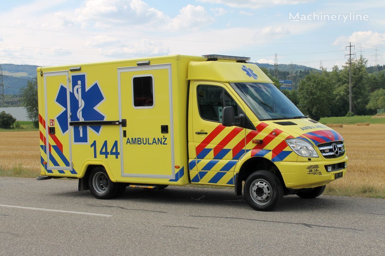 MERCEDES-BENZ Sprinter 519 CD 4x4 Rettungswagen